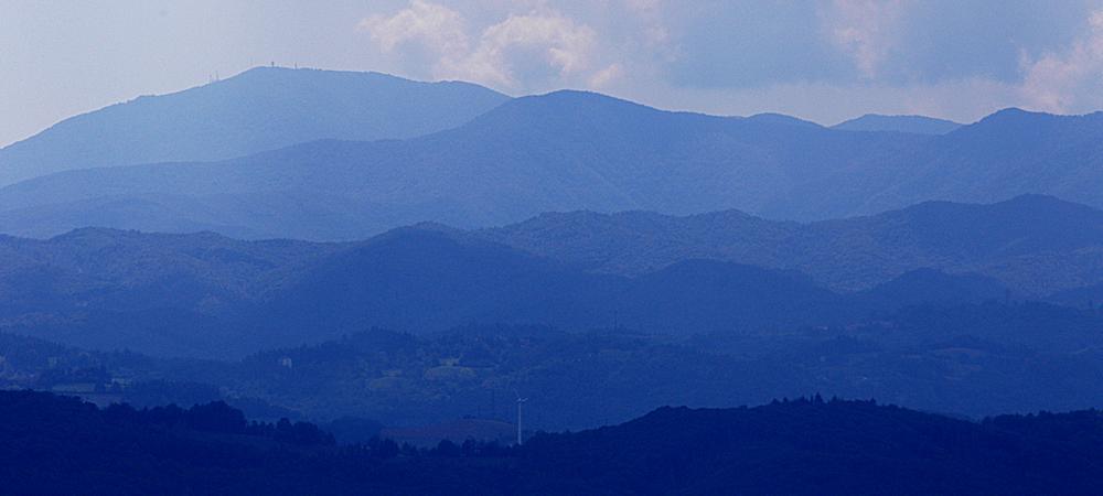 Mombarcaro (colline come le onde del mare)