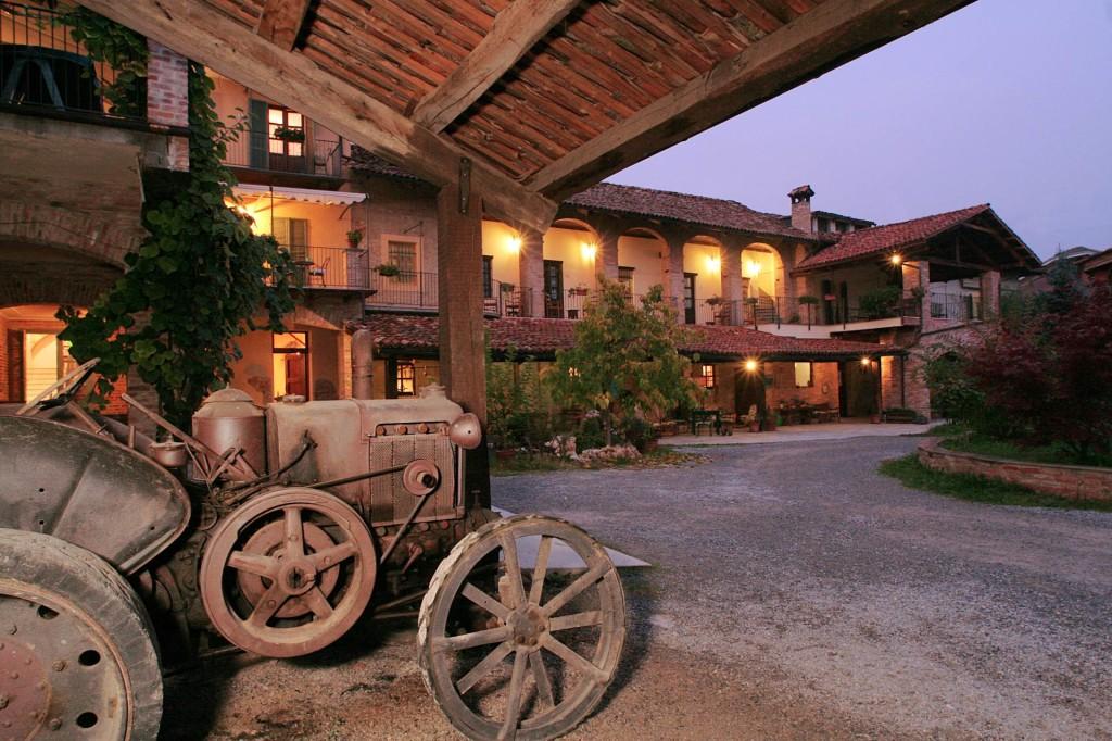 Agriturismo Cascina del Monastero, produzione vini.
